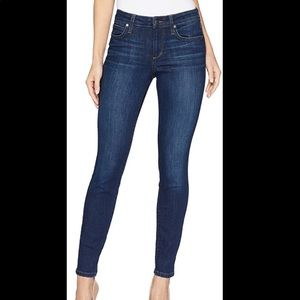 Joe's 🍁🍂the Icon Mid Rise Skinny Jeans 27